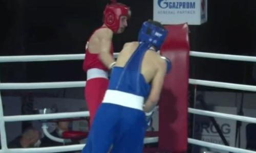 Видео полного боя с двумя нокдаунами и тотальным уничтожением венгра казахстанским боксером на МЧМ-2021