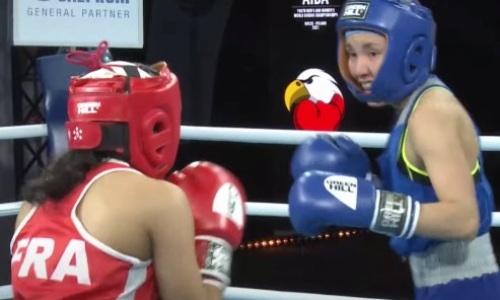 Казахстанская боксерша четыре раза отправила в нокдаун и нокаутировала чемпионку Франции на МЧМ-2021