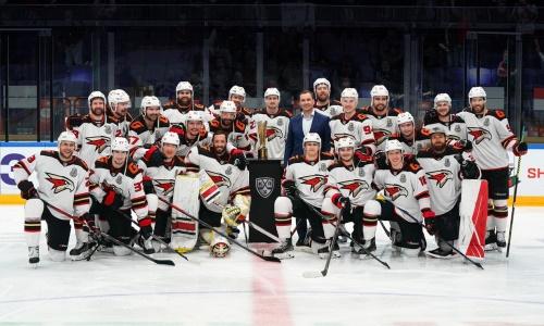 Принципиальный соперник «Барыса» получил кубок победителя Восточной конференции КХЛ. Видео