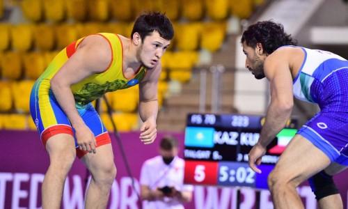 Казахстанский борец победил узбека и стал чемпионом Азии