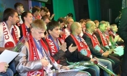 Экс-футболисты и персонал бывшего клуба КПЛ получили деньги за 2014 год