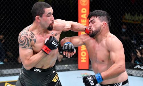 Видео полного боя Уиттакер — Гастелум в главном событии турнира UFC с разгромным исходом