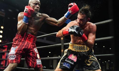 Сенсационным исходом завершился главный бой вечера бокса в США. Видео