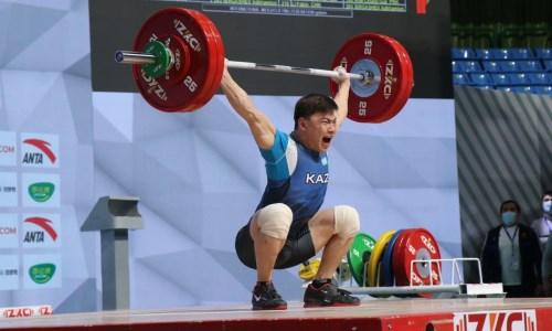 Казахстанец остановился в шаге от медали на чемпионате Азии по тяжелой атлетике в Ташкенте
