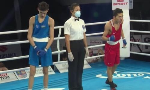 Казахстанский боксер деклассировал узбека и лишил его медали МЧМ-2021
