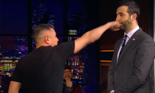 Костя Цзю решил отработать удар на Иване Урганте и попал ему в нос. Видео