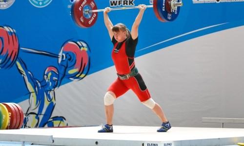 Казахстанка стала бронзовой призеркой чемпионата Азии по тяжелой атлетике