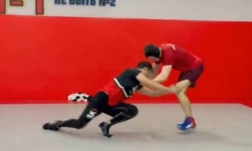 Шавкат Рахмонов провел совместную тренировку по борьбе с топовым казахстанцем из АСА. Видео