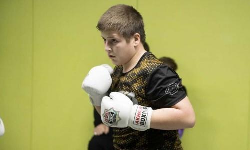 «Я вам покажу». 13-летний сын Рамзана Кадырова отреагировал на скандал после спорной победы в боксе
