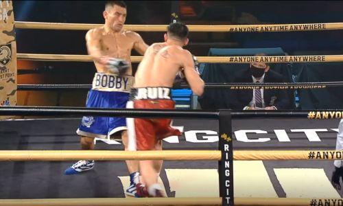 Как казахстанский боксер бил соперника ниже пояса и незамедлительно поплатился. Видео