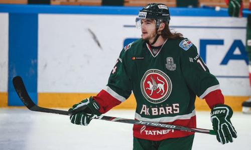 Клуб конференции «Барыса» продлил контракт с опытным форвардом. У него больше сотни матчей в НХЛ