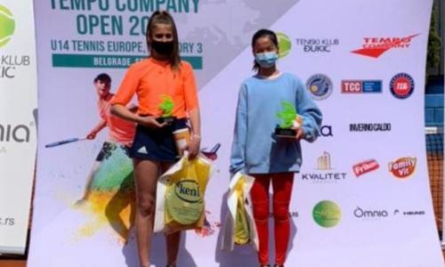 Казахстанская теннисистка отпраздновала двойной успех на турнире в Сербии