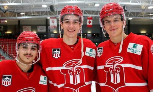 Казахстанский форвард помог своей команде выйти в плей-офф USHL