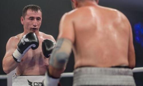 Казахстанский боксер сразится с непобежденным россиянином в андеркарде у экс-соперника «Канело»