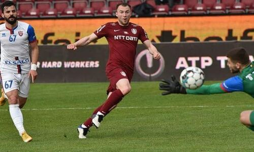 Экс-футболист «Астаны» оформил дубль за три минуты и принес европейскому клубу лидерство в таблице