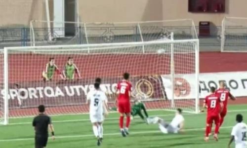 Судья засчитал «незаконный» гол в матче КПЛ. Видео