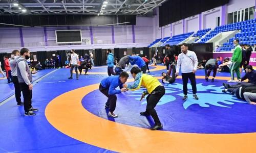 Казахстанские вольники проводят подготовку в Баку