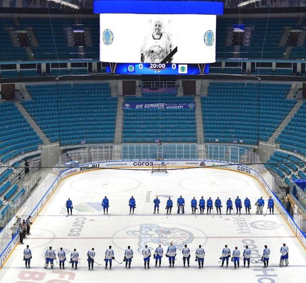 Сборная Казахстана провела двухсторонний матч с девятью шайбами и хет-триком