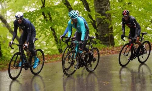 «День получился очень трудным». Гонщик «Астаны» прокомментировал выступление на третьем этапе «Тура Романдии»