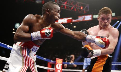Головкину предложили подраться с побитым «Канело» боксером