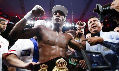 Чемпион WBA в среднем весе рассказал, сколько лет планирует оставаться в боксе. Он на год младше Головкина