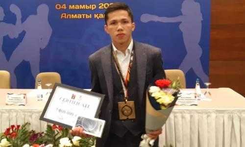 «На характере я вырвал победу». Молодежный чемпион мира из Казахстана рассказал о своем «золоте» и звездной болезни