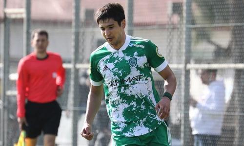Футболист сборной Казахстана начал подготовку кматчу предпоследнего тура РПЛ. Фото