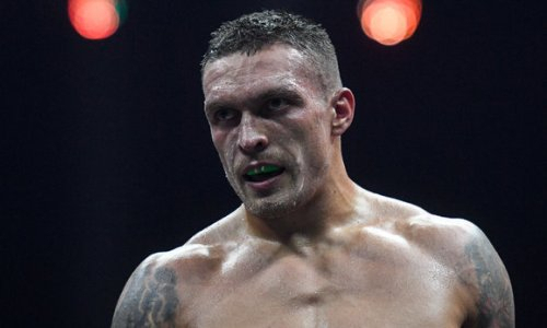 Усик обратился к WBO с необычным фото по поводу своего следующего боя