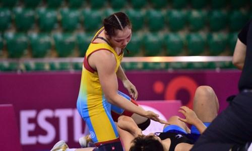 Казахстанская спортсменка вышла в полуфинал лицензионного турнира по женской борьбе