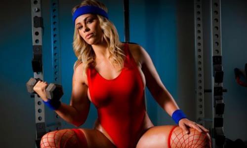 Красотка из MMA Пейдж Ванзант опубликовала новые фото в сексуальном наряде