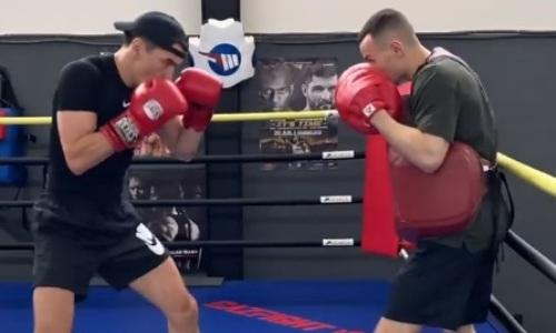«Под чутким наблюдением Басты». Нурлан Сабуров продемонстрировал великолепные боксерские навыки. Видео