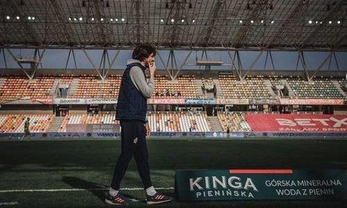 Европейский клуб футболиста сборной Казахстана объявил об отставке главного тренера