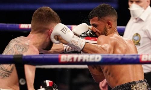 Титульный бой с тремя нокдаунами завершился сенсационным поражением чемпиона