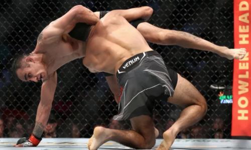 Видео полного боя Тони Фергюсон — Бенейл Дариуш на турнире UFC 262