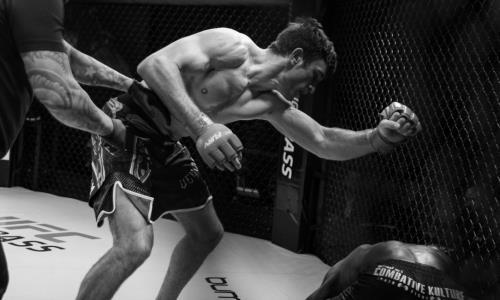 Видео нокаута, или Как казахстанец выиграл чемпионский титул и шанс от Даны Уайта попасть в UFC