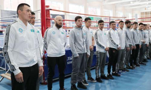 Казахстанские боксеры показали общее фото перед отлетом на чемпионат Азии