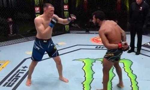 Дамир Исмагулов встал после нокдауна и выиграл четвертый бой подряд в UFC