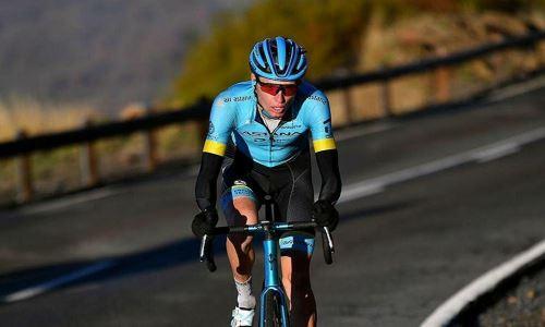 Власов чудом не попал в завал на 15-м этапе «Джиро д'Италия»