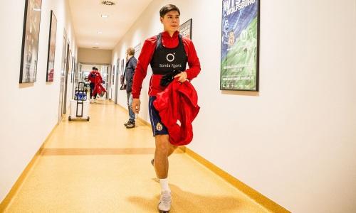 Жуков прилетел в Алматы после окончания европейского чемпионата