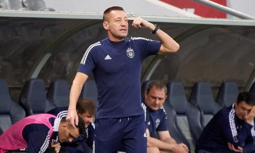 «Что недоволен?!» Тихонову ответили за критику судейства в матче «Астаны» с «Кайратом»