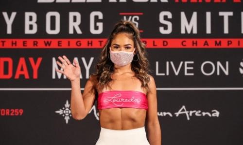 Самая горячая девушка-боец MMA показала печальные последствия первого поражения в карьере. Фото