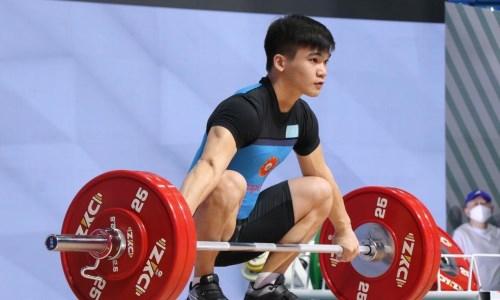 Казахстанский спортсмен стал вторым на юниорском чемпионате мира по тяжелой атлетике