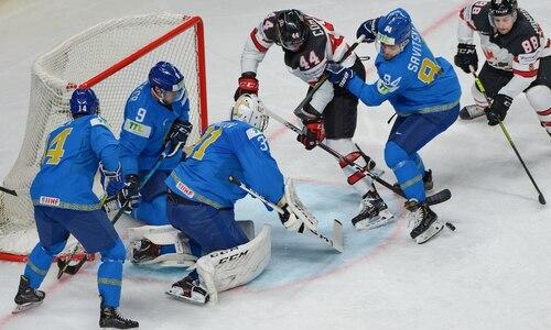 «Если бы повезло больше, выиграли бы». Вратарь сборной Казахстана подытожил поражение Канаде на ЧМ-2021 и дал оценку защите