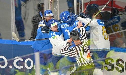Форвард сборной Казахстана оформил хет-трик Горди Хоу в матче с разгромом Италии на ЧМ-2021