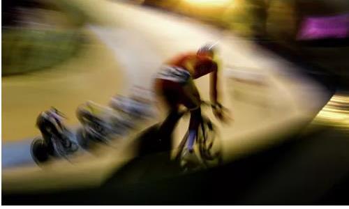 Казахстанский велосипедист получил серьезные травмы на Гран-при Санкт-Петербурга