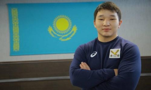 Казахстанец выиграл «золото» юниорского чемпионата мира по тяжелой атлетике