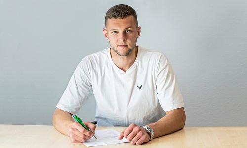 Немецкий клуб объявил о продлении контракта с экс-игроком молодежной сборной Казахстана