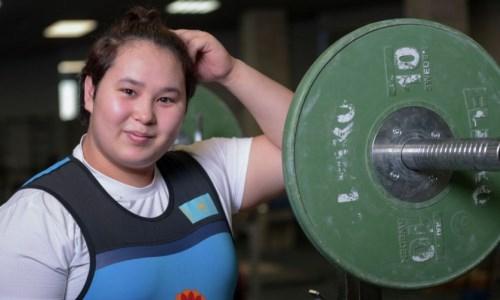 Казахстан завоевал ещё одну золотую медаль юниорского чемпионата мира по тяжелой атлетике