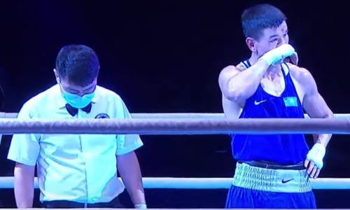 Казахстанский боксер со скандалом проиграл узбеку бой за «золото» чемпионата Азии