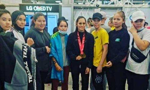 Появилось видео встречи казахстанских боксеров с чемпионата Азии